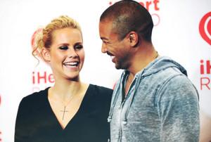 Claire Holt & Charles Michael Davis → iHeartRadio 音乐 Festival