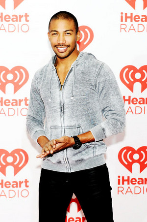 Claire Holt and Charles Michael Davis at the iHeartRadio música Festival 21/09/2013