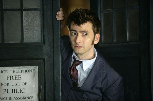 doctor who fondo de pantalla containing a business suit and a suit entitled David Tennant ♥
