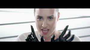 Demi Lovato - сердце Attack {Music Video}