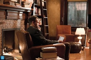 Elementary - Episode 2.03 - We Are Everyone - Promotional foto's