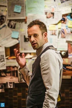 Elementary - Episode 2.04 - Poison Pen - Promotional foto's