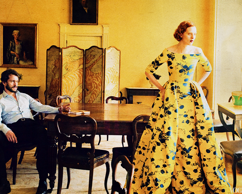 Hugh Dancy hình nền entitled Hugh Dancy and Karen Elson photographed bởi Annie Leibovitz for Vogue