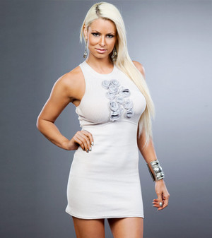 International Woman - Maryse