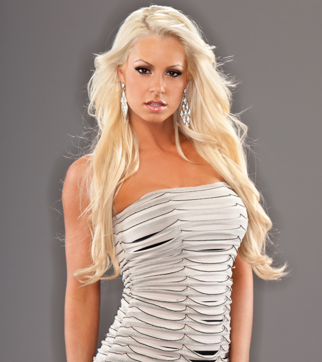 NXT! - Page 18 International-Woman-Maryse-wwe-divas-35675043-642-722
