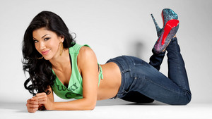 International Woman - Rosa Mendes