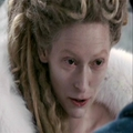 Jadis using her eyes to regain Edmunds trust after she made the mistake of shouting at him.