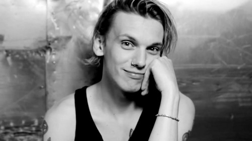 "Jamie Campbell Bower Hintergrund with a portrait titled Jamie Campbell Bower | Hunger TV ""I Dare You"""