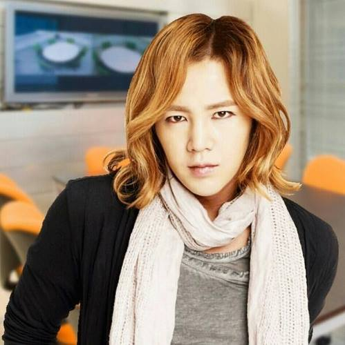 チャン・グンソク 壁紙 possibly containing a ストール, 盗んだ and a portrait titled Jang Keun Suk Tokimeki 愛 Story Game