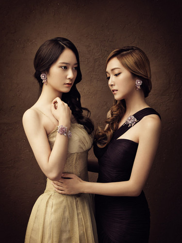 F(x) wallpaper containing a bridesmaid titled Jessica (SNSD) & Krystal ( F(x) ) - Stonehenge