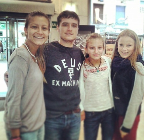 Josh Hutcherson wallpaper called Josh with fans in Spain
