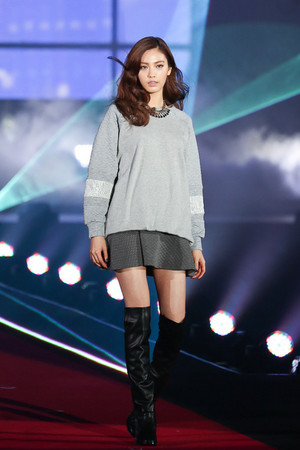 Juyeon and Nana @ Girls Award A/W collection 2013 + AS Япония Update.
