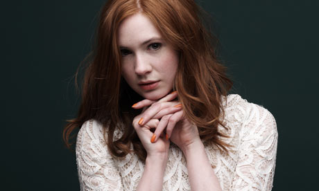 Amy Pond پیپر وال probably with a portrait entitled Karen Gillan