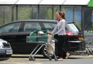 Kate and William's First Главная in Anglesey