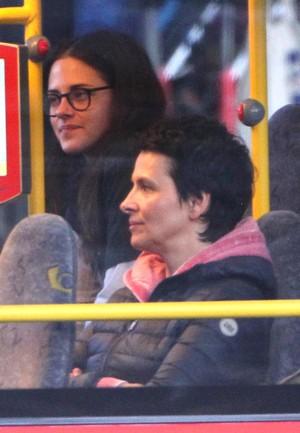 Kristen with Sils Maria co-star Juliette Binoche