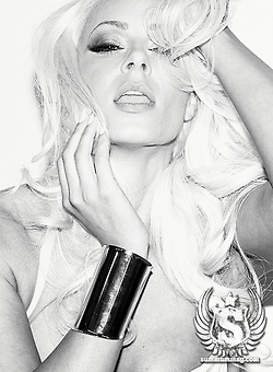 Maryse Ouellet wallpaper entitled Maryse