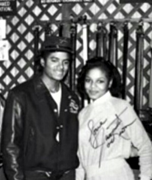 A Vintage Autographed picha Of Michael And Janet