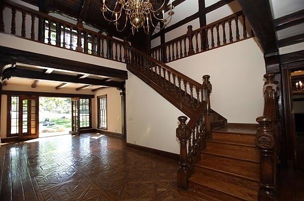 Michael's घर