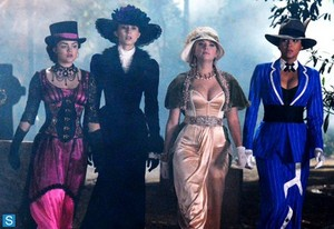 Pretty Little Liars - Episode 4.13 - Grave New World - Promotional 照片