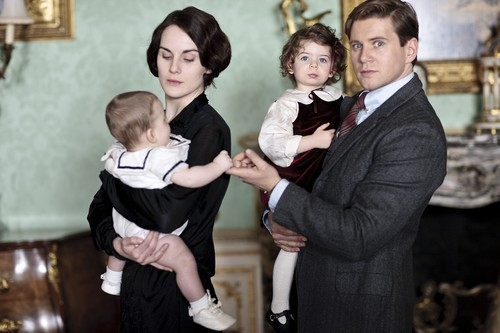 Downton Abbey پیپر وال with a business suit entitled Season 4