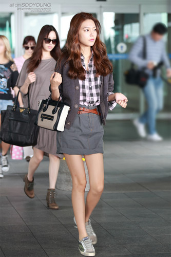 Girls Generation/SNSD wallpaper probably with bare legs, a business suit, and a hip boot called Sooyoung Airport