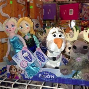 Talking Anna, Elsa, Olaf and Sven plush