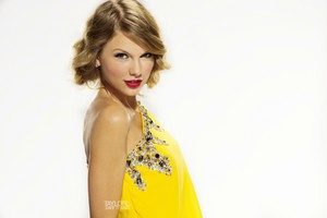 TayTAY in yellow
