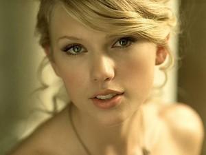 Taylor Swift~