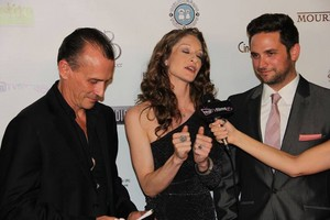 The Mourning heure Premiere (L.A.)