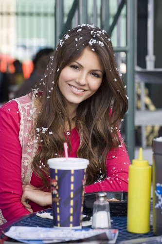 Victoria Justice wallpaper called Victorious