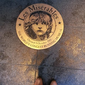 les mis in london♡
