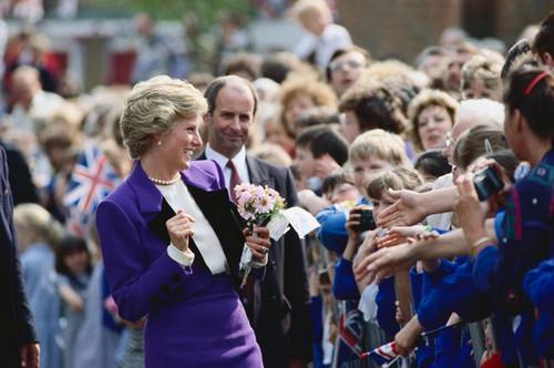 Công nương Diana hình nền titled princess of wales