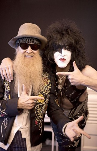Paul Stanley Hintergrund titled ★ Paul & Billy Gibbons ☆
