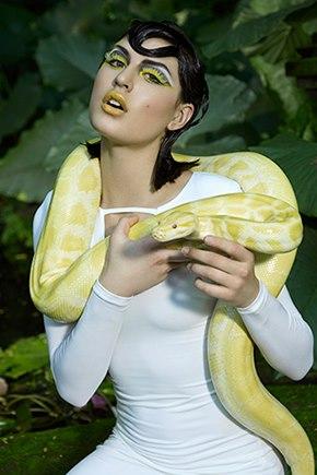 9th PhotoShoot: Embodying binatang