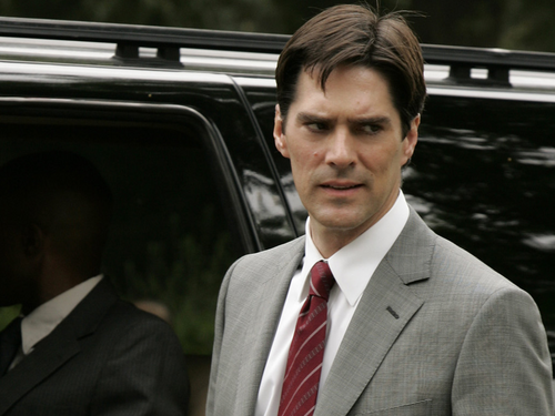Criminal Minds achtergrond containing a business suit and a suit titled Aaron Hotchner