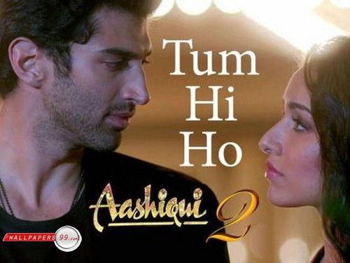 Жизнь во имя любви 2 Обои probably with a sign and a portrait called Aashiqui 2
