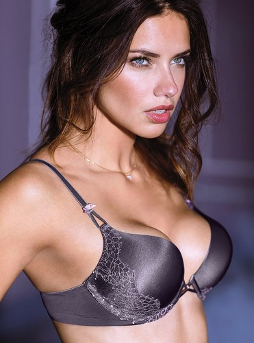 Adriana Lima wallpaper containing a brassiere entitled Adriana Lima