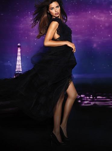 Adriana Lima پیپر وال possibly with a رات کے کھانے, شام کا کھانا dress and a کاک, کاکٹیل dress titled Adriana Lima