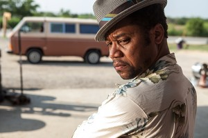 Cuba Gooding Jr. as El Camaleón