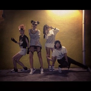 "CL's Instagram Update: ""What do u want #xxi"" (131007)"