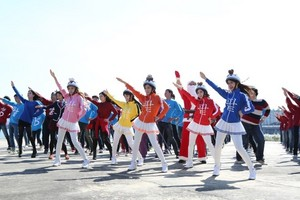 Crayon Pop MV shooting for Caffe Bene's new menu song