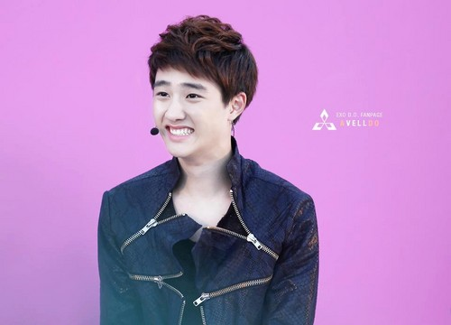 D.O Hintergrund probably with a blouse, an outerwear, and a jumper called D.O