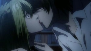 Death Note Screenshot- Light beijar Misa