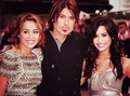 Demi with Cyrus family