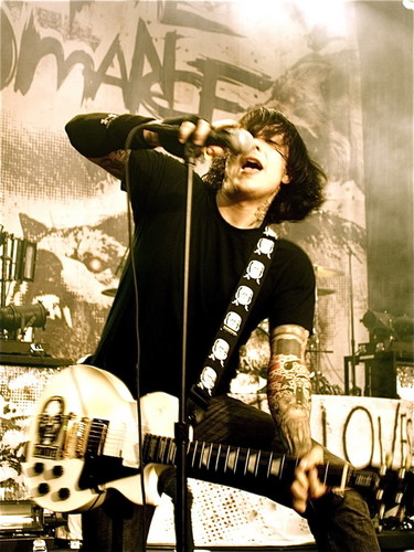 Frank Iero wallpaper with a konser and a guitarist called Frank Iero