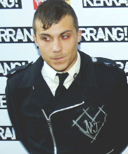 Frank Iero wallpaper possibly containing a green beret entitled Frank Iero