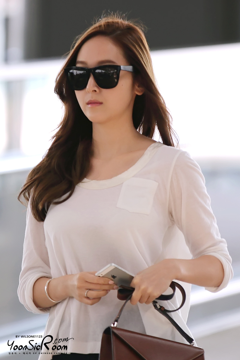 Jessica SNSD images Jessica Airport wallpaper photos ...