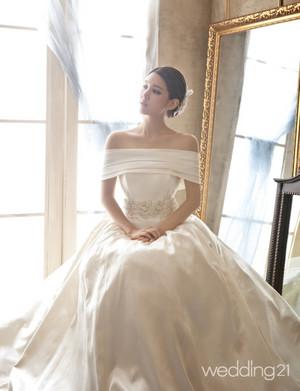 Jiwon @ Wedding 21