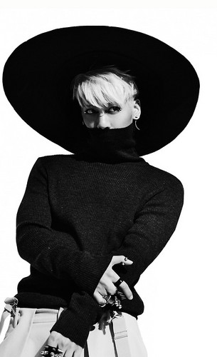 Shinee wallpaper containing a snap brim hat, a campaign hat, and a sombrero entitled Jonghyun for Everybody