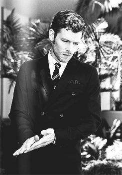 Joseph morgan - Bello Magazine (October, 2013)